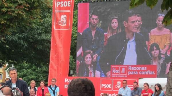 Pedro Sánchez en un acto en Oviedo
