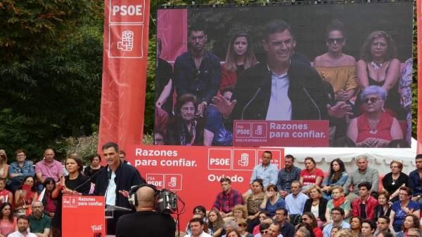 Pedro Sánchez en Oviedo