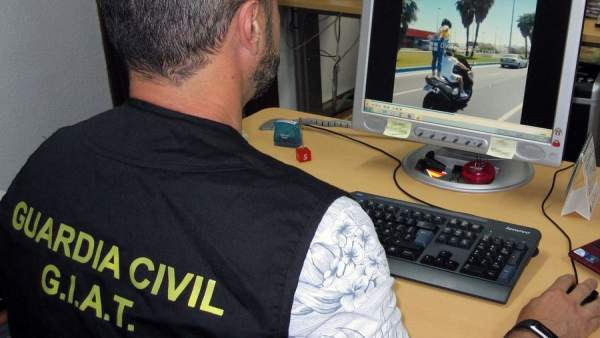 La Guardia Civil analiza imágenes de imprudencias