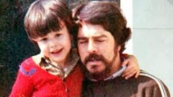 José Miguel Cedillo con su padre, el policía Antonio Cedillo.