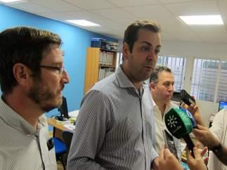 Requena atiende a los periodistas antes del comité de dirección del PP de Jaén.