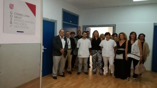 Consellera de Salud, Patricia Gómez, con médicos en Hospital General