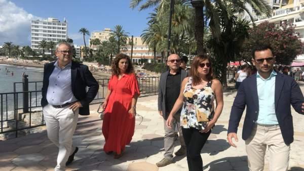 ARmengol visita el paseo de Figueretes en Ibiza