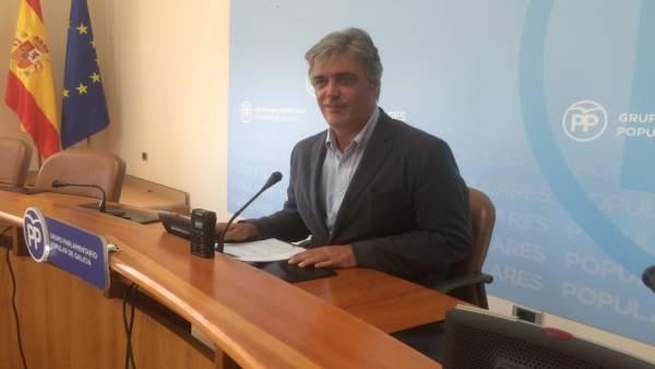 El portavoz del PPdeG, Pedro Puy, en rueda de prensa