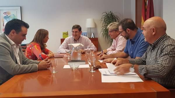 Villegas junto con Castejón