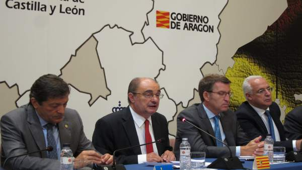 Lambán este lunes en la cumbre celebrada en Zaragoza.