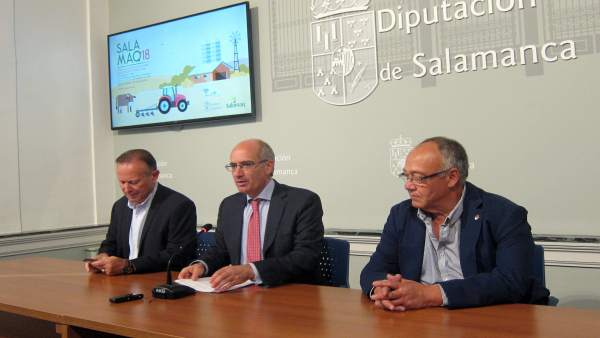 Javier Iglesias (centro) hace balance de 'Salamaq 2018'