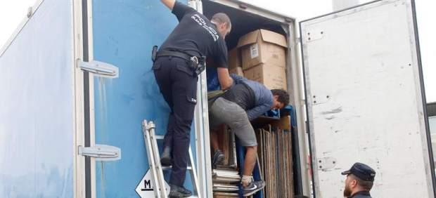 Inmigrantes ocultos en camiones de feria en Melilla