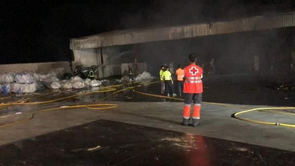 Incendio en una nave de Almendralejo