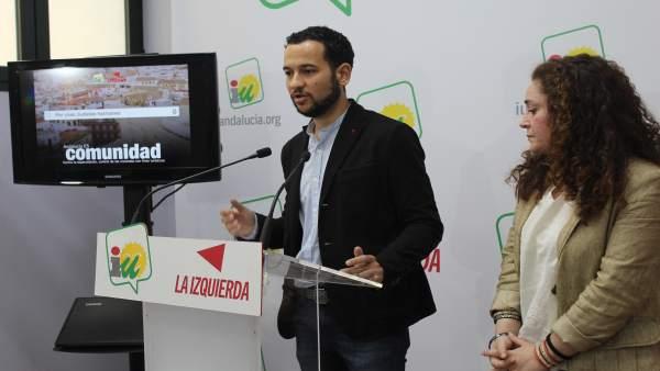 Dirigentes de IU, Daniel González Rojas e Inmaculada Nieto, en rueda de prensa