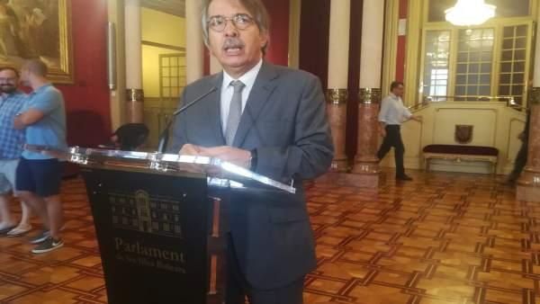 El portavoz de Cs Baleares, Xavier Pericay, en el Parlament