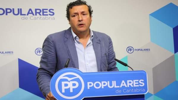 El portavoz del PP de Cantabria, Íñigo Fernández