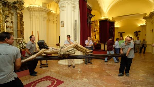 Pedro Manzano Beltrán restaurará el Cristo de la Buena Muerte
