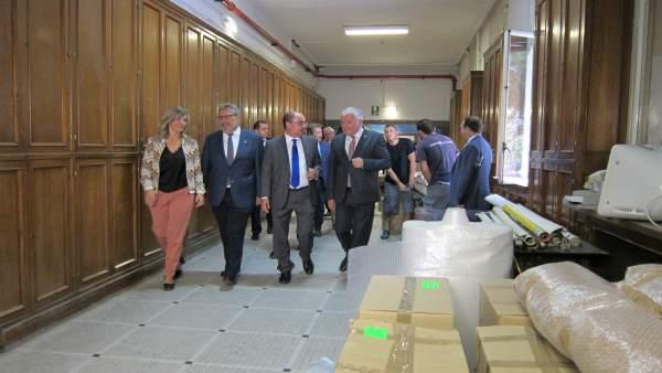 Lambán, Alegría y Mayoral han visitado hoy la Facultad de Filosofía y Letras