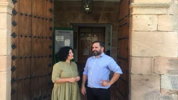 María Paz del Moral con el alcalde de Baños de la Encina