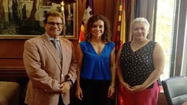 Rector de la UIB, L. Huguet, y delegada del Gobierno en Baleares, R. Sánchez