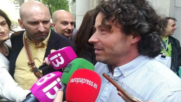 Jaume Garau atiende a los medios
