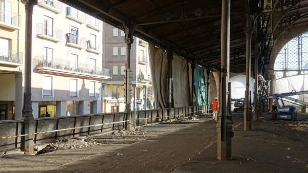 Lonas para proteger el exterior del decapado del Mercado Central