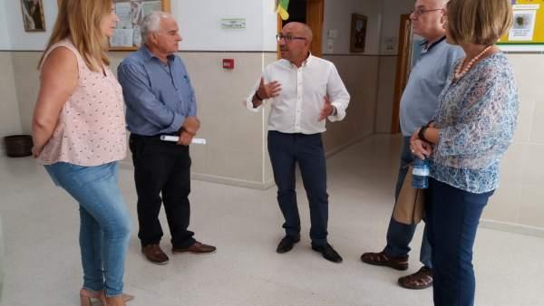 La delegada de Salud de Málaga visita Adipa
