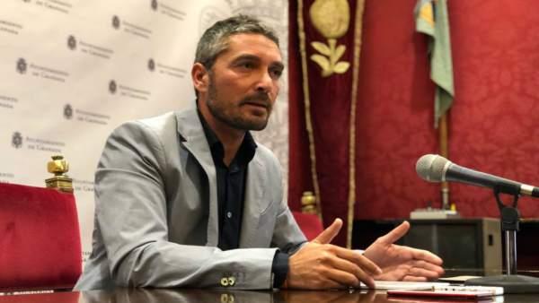 Manuel Olivares