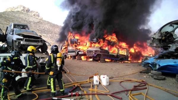 Incendio en el desguace