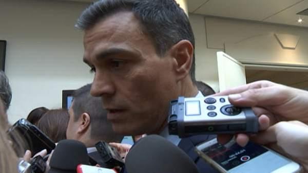 Pedro Sánchez descarta cesar a Carmen Montón
