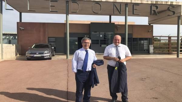 Andoni Ortuzar y Joseba Aurrekoetxea tras abandonar la cárcel de Lledoners