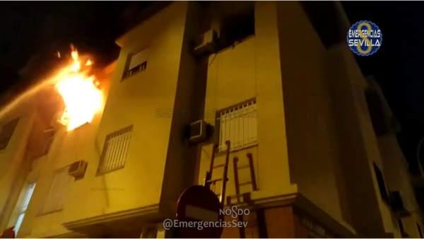 Incendio en una vivienda de la barriada sevillana de Pino Montano