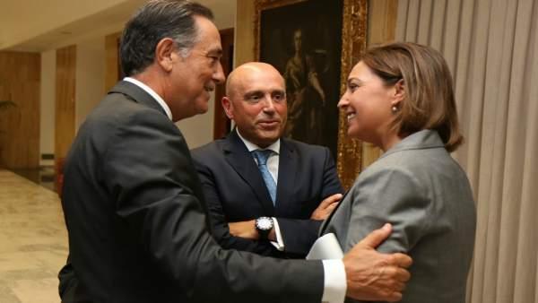 Ambrosio, con Cabello (izda.) y Barrena, durante el encuentro mantenido