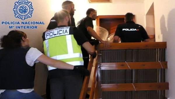 Detingudes quatre persones després d'apunyalar altres dos durant una baralla entre dos famílies a Elda