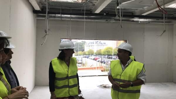 Fernández Armenteros e Igual visitan las obras del nuevo colegio Padre Apolinar
