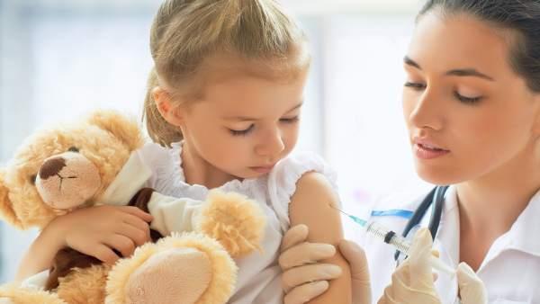 SEPEAP demana incloure en el calendari les vacunes contra el rotavirus, meningitis B i papil·loma per a xiquets homes