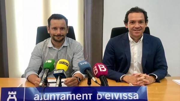 Alcalde de Ibiza, Rafael Ruix, y conseller de Movilidad, Marc Pons