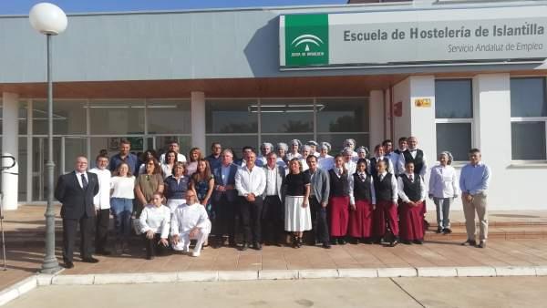[Grupohuelva] 1 Foto Junta (Consejero Empleo Escuela Hostelería Islantila)