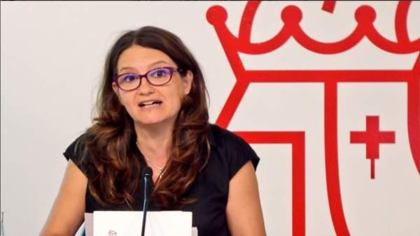 """Oltra veu en la dimissió de Montón un """"missatge per a navegants"""", hi ha d'altres """"agarrats com a caparres als càrrecs"""""""