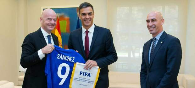 Pedro Sánchez ofrece a Marruecos organizar el Mundial de 2030 junto a España y Portugal