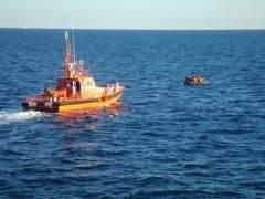 La marina de Marruecos dispara contra una patera tripulada por un español y deja cuatro heridos