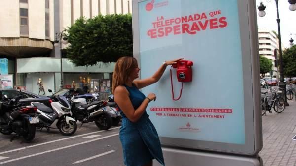 """Càrrecs de Compromís veuen """"humiliant"""" el telèfon de València Activa que informa sobre ocupació en el carrer"""