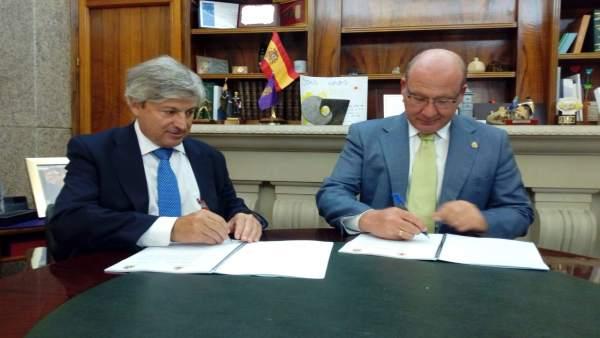 Firma del convenio entre el Ayuntamiento y el Catastro