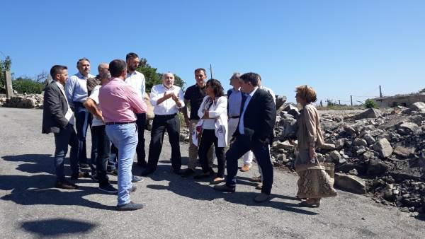 Javier Losada visita la zona cero de la explosión pirotécnica de Tui