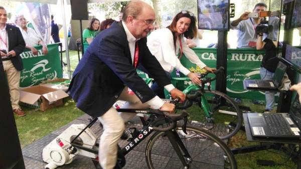 El presidente de Aragón se suma a la iniciativa solidaria