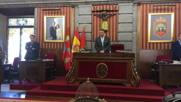 Sesión de pleno en el Ayuntamiento de Burgos.
