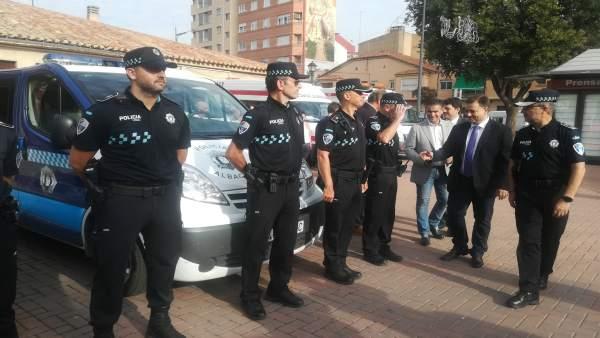 El alcalde de Albacete, Manuel Serrano, en el punto de emergencias de la feria