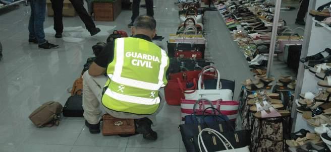 Operación de la Guardia Civil contra las falsificaciones en La Jonquera y Lloret