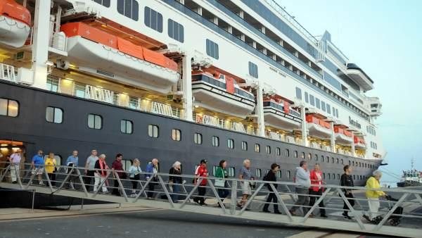 Cruceristas en Huelva.