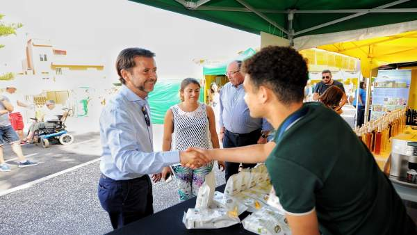[Grupocanarias] Nota De Prensy Fotos: Feria Pon Artesanía En Tu Mesa