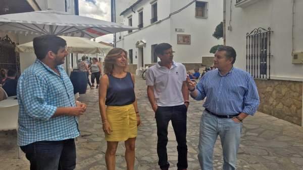 Los populares Ana Belén García y Antonio Sanz en Benaocaz