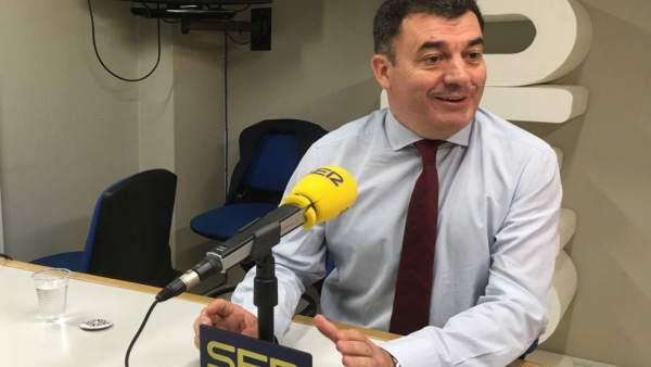 Román Rodríguez en una entrevista para la Cadena Ser