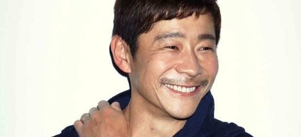 El primer turista espacial de SpaceX será el japonés Yusaku Maezawa, que volará alrededor de la ...
