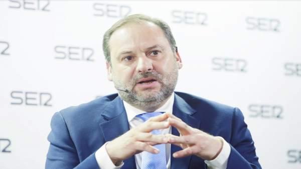 Ábalos preveu que l'AVE a Elx puga estar en servici a l'estiu de 2019